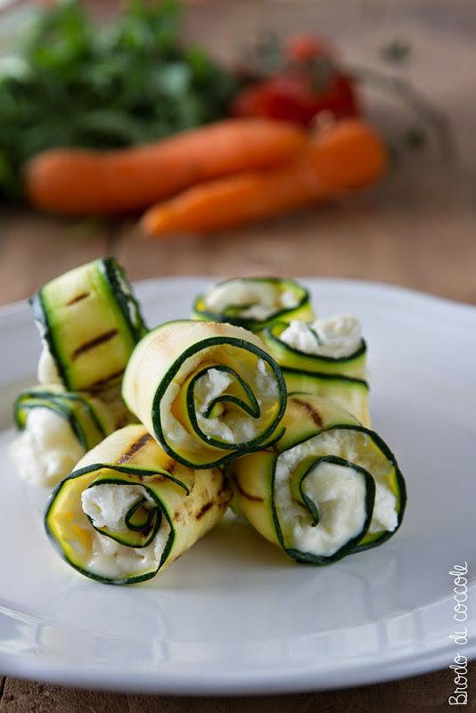 Involtini di zucchine e caprino