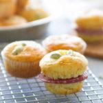 Muffin con fave e pecorino