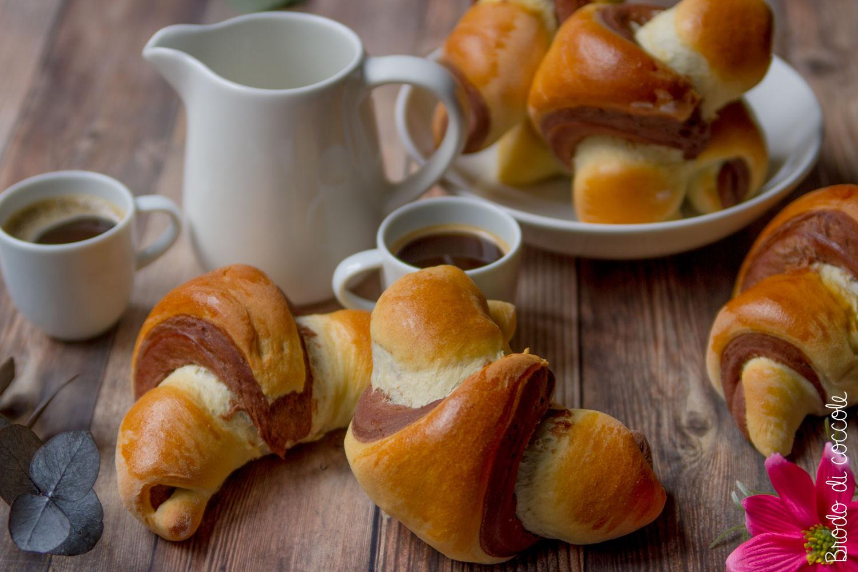 Croissant vaniglia e cioccolato