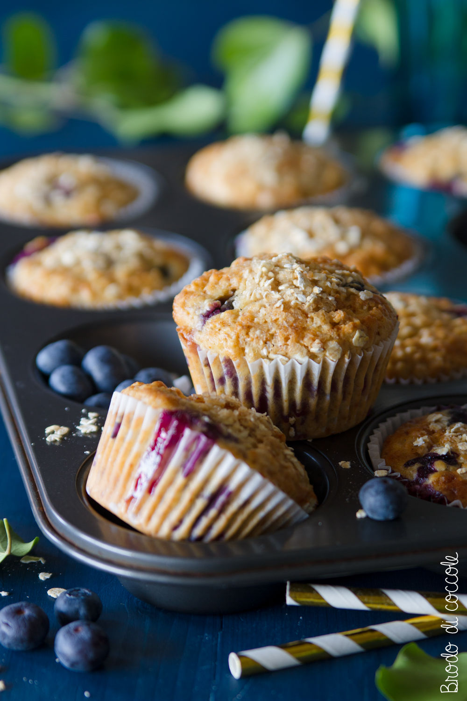 Muffin integrali con mirtilli e avena