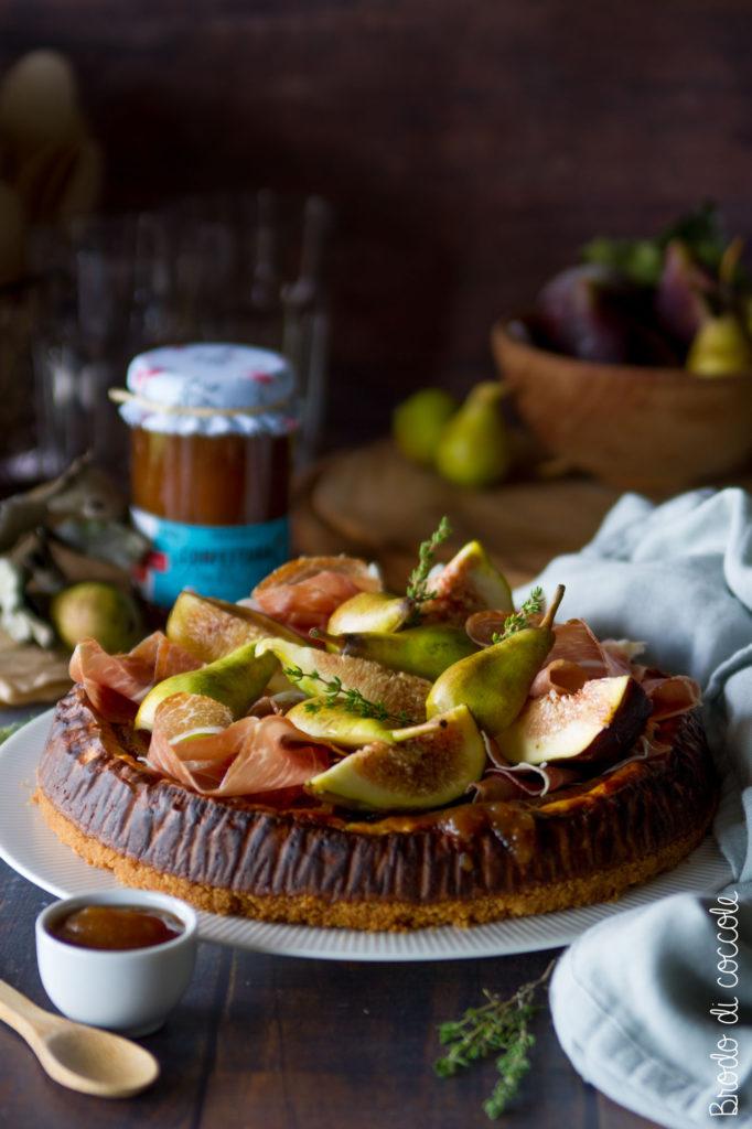 Cheesecake salata prosciutto, pere e fichi