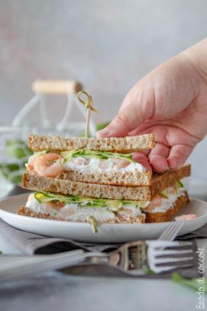 Sandwich con ricotta, gamberi e zucchine