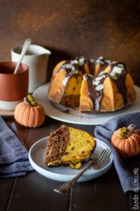 Torta con zucca, cioccolato e mandorle