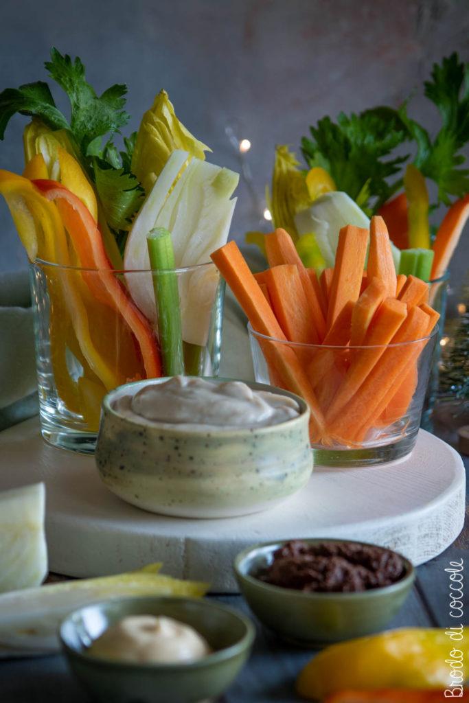 Pinzimonio di verdure con tre salse