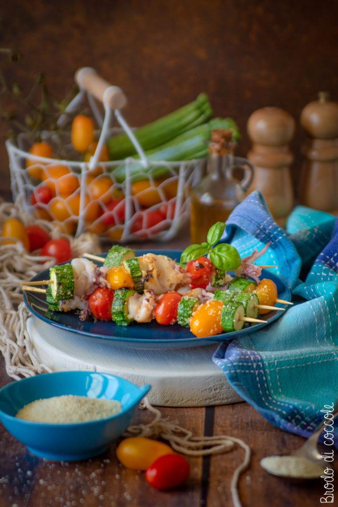 Spiedini di calamari e verdure alla griglia