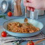 Spaghetti con sugo di sgombro al finocchietto