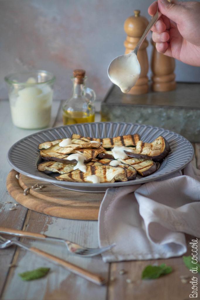 Melanzane grigliate con salsa allo yogurt