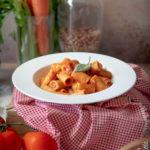 Pasta con ragù di fagioli